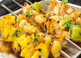 Recipe: घर पर आसान तरीके से बनाएं ग्रिल्ड फ्रूट चाट, खाने में आएगा मजा