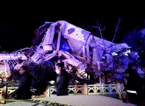 Earthquake: ईस्टर्न तुर्की में 6.8 तीव्रता का भूकंप, 18 की मौत, 550 से ज्यादा घायल