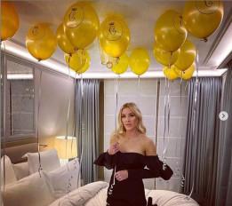 Celebration: एली ने पेरिस में मनाया पति का बर्थडे, शेयर की फोटोज