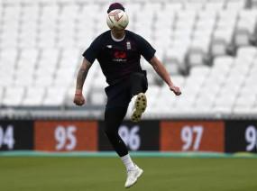 फैसला: बर्न्स की चोट के बाद इंग्लैंड क्रिकेट टीम ने फुटबॉल वार्मअप पर लगाया बैन