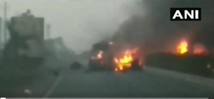 Accident: सूरत में सिलेंडर से भरे ट्रक में ब्लास्ट, बच्चों के जान पर बनी