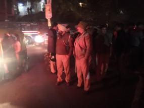 जेएनयू हिंसा : पुलिस को कैंपस में घुसने नहीं दिया या घुसी नहीं?