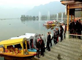 Kashmir Situation: आज से कश्मीर दौरे पर 17 देशों के राजदूतों का दल, लेंगे स्थिति का जायजा