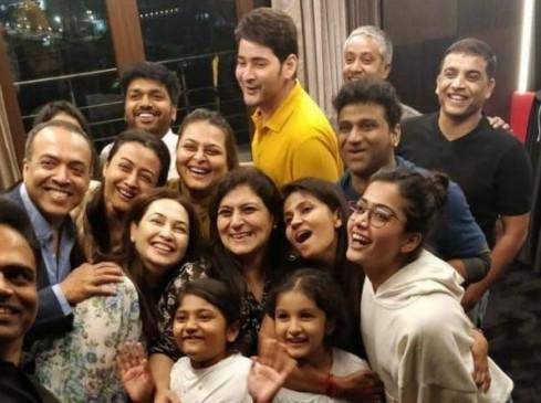 """BLOCKBUSTER Party: महेश बाबू के लिए जश्न का मौका, """"सरिलरु नीकेवरु"""" ने पार किया 100 करोड़ का आंकड़ा"""