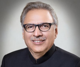 पाकिस्तान : सैन्य प्रमुख के सेवा विस्तार संबंधी विधेयकों को राष्ट्रपति की मंजूरी