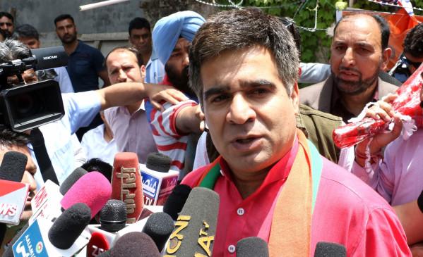 रविंद्र रैना भाजपा के जम्मू-कश्मीर अध्यक्ष चुने गए