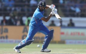 रिकॉर्ड: रोहित सबसे तेज 7 हजार रन बनाने वाले बल्लेबाज बने, सचिन और अमला को पीछे छोड़ा