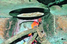 नागपुर में 18000 परिवार अभी भी चूल्हे पर सेंक रहे रोटी,नहीं मिला उज्ज्वला योजना का लाभ