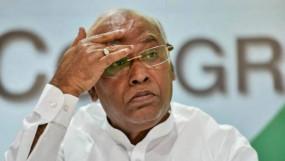 मुंबई कांग्रेस के नए अध्यक्ष की तलाश शुरू, पार्टी प्रभारी खडगे से मिले कांग्रेस नेता
