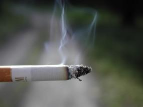 गर्भावस्था में धूम्रपान से शिशु में फै्रक्चर होने का खतरा