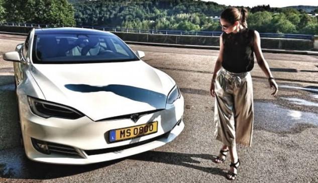 इनोवेशन: पैदल चलने वालों से बात करेगी Tesla कार, कंपनी ने दिए संकेत