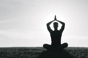 इन योगासनों को करें डेली दिनचर्या में शामिल, भूख न लगने की परेशानी होगी खत्म