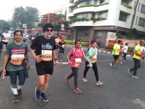 अब तक 200 मैराथन दौड़ चुका है यह स्पोर्टी सिख, आंखे नहीं- दुनिया को दिखा रहे हैं रास्ता