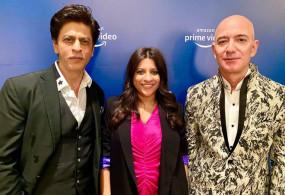 Video: अमेजन प्राइम वीडियो ने पूरे किए तीन साल, शाहरुख, जोया और जेफ बेजोस ने साझा किया मंच