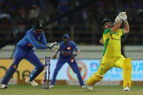 IND VS AUS: कोहली ने कहा, द्रविड़ की तरह बतौर विकेटकीपर बल्लेबाज टीम के साथ बने रहेंगे केएल राहुल