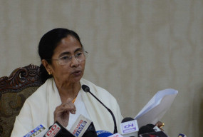 पश्चिम बंगाल : प्रधाममंत्री मोदी ने की मुख्यमंत्री ममता से मुलाकात