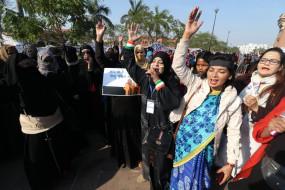 उप्र के सम्भल में महिलाओं का सीएए विरोधी प्रदर्शन शुरू