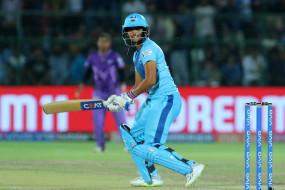 महिला क्रिकेट : भारत ने इंग्लैंड को 5 विकेट से हराया, हरमनप्रीत ने आखिरी ओवर में छक्का लगाकर जीत दिलाई