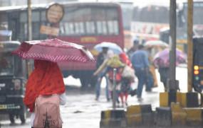 नागपुर में रुक-रुक कर हुई झमाझम बारिश, पारा गिरा