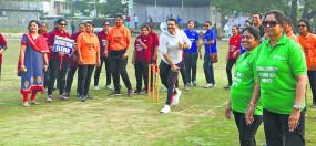 क्रिकेट में महिलाओं ने खूब चलाया बल्ला, टूर्नामेंट से मिला मंच