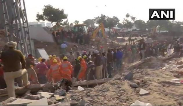 पंजाब: मोहाली में ढही तीन मंजिला इमारत, सात लोगों के दबे होने की आंशका