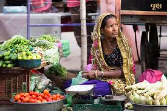 40 बाजारों पर गाज : छलका दर्द - सब्जी बेच कर पाल रहे परिवार का पेट
