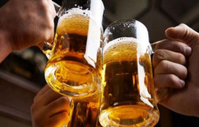 Fake News: क्या शराब पीने वालों को नहीं कोरोना वायरस से खतरा?