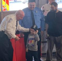 US: घर में लगी आग तो 5 साल के बच्चे ने बचाई परिवार की जान, मिला लाइफसेविंग अवॉर्ड से सम्मान