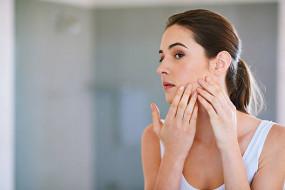 Beauty/Health: इन फूड्स को करें इग्नोर, दूर होगी मुहांसों की समस्या