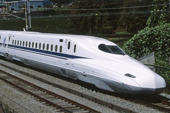 बुलेट ट्रेन परियोजना को सक्रियता से आगे बढ़ाया जाएगा : वित्तमंत्री