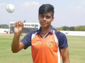 रिकॉर्ड: चंडीगढ़ की काशवी गौतम वनडे मैच में 10 विकेट लेने वाली पहली महिला खिलाड़ी बनीं