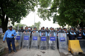 इस्लामाबाद की लाल मस्जिद मामले में गतिरोध जारी