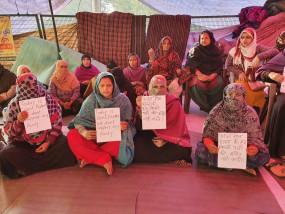 दिल्ली: CAA विरोधी प्रदर्शनकारी जाफराबाद मेट्रो स्टेशन के बाहर जमा हुए