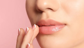 Lip Care: होठों का कालापन कर रहा परेशान, ऐसे पाएं खोई हुई रंगत