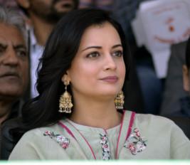 अपने पांव को लेकर चौकस रहती हूं : दीया मिर्जा