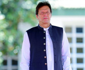 पाकिस्तान के अल्पसंख्यकों को भूलकर दिल्ली हिंसा पर जहर उगल रहे इमरान खान