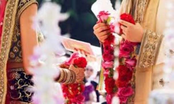 LOL: दुल्हन की साड़ी पसंद न आने पर मां-बाप ने तोड़ी शादी, मंडप से भागा दूल्हा