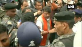 कोलकाता: सीएए के समर्थन में रैली करने पर BJP महासचिव कैलाश विजयवर्गीय हिरासत में