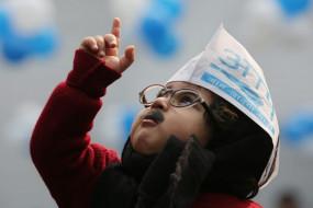 Mufflerman: दिल्ली चुनाव में 'AAP' के जश्न के बीच छा गए नन्हें केजरीवाल, देखें तस्वीरें