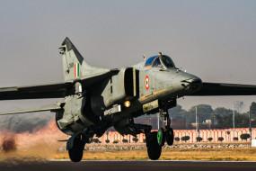 पंजाब के पटियाला में ट्रेनर विमान हादसे का शिकार, पायलट की मौत