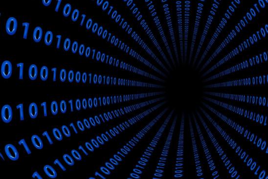 देश में डेटा सेंटर पार्क बनाने जल्द लाएंगे नीति : वित्तमंत्री