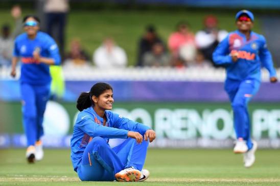 महिला टी-20 विश्व कप: राधा यादव ने की कोच हिरवानी की तारीफ
