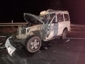 स्कॉर्पियो और ट्रक की जोरदार टक्कर, युवक की मौत