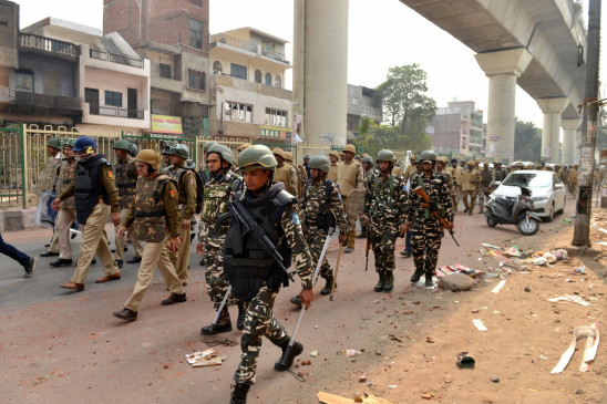 Delhi Violence: उत्तर-पूर्वी दिल्ली में सुरक्षा बलों ने फ्लैग मार्च किया