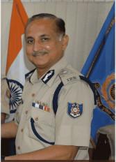 Delhi Violence: तेज-तर्रार अफसरों में शुमार एसएन श्रीवास्तव को दिल्ली पुलिस की कमान