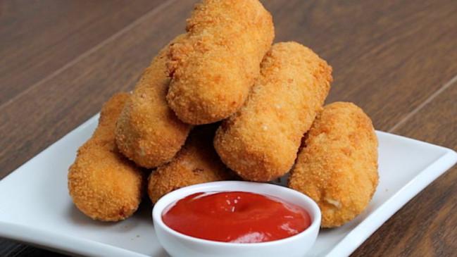 RECIPE: चिकन लवर्स हैं तो इस रेसिपी से बनाएं टेस्टी चिकन चीज़ फिंगर्स, भर-भर के मिलेंगी तारीफें