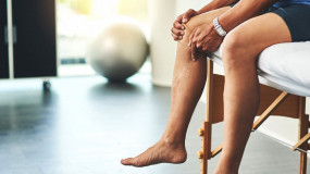 Health: सर्दियों में जोड़ों के दर्द से हैं परेशान, इन आयुर्वेद नुस्खों से मिलेगी राहत
