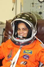 पहली भारतीय महिला अंतरिक्ष यात्री कल्पना चावला को पुण्यतिथि पर श्रद्धांजलि