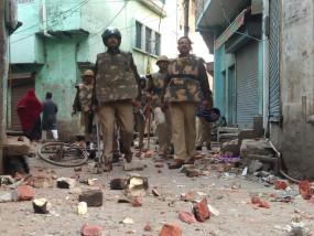 सीएए के विरोध में अलीगढ़ में बेकाबू हालात, पुलिस ने किया लाठी चार्ज