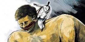 उप्र : भाजपा विधायक के बेटे पर दलित कर्मचारी को पीटने का आरोप